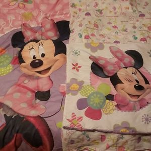 4 piece Minnie Mouse toddler bed set